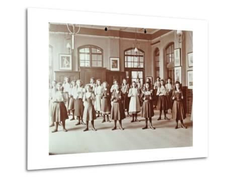 Girls Holding Indian Clubs, Cromer Street School/ Argyle School, St Pancras, London, 1906--Metal Print