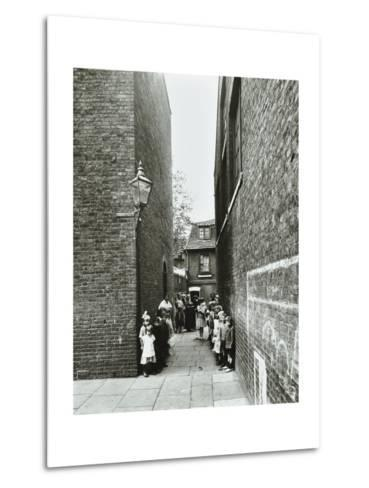 Children in an Alleyway, Upper Ground Place, Southwark, London, 1923--Metal Print