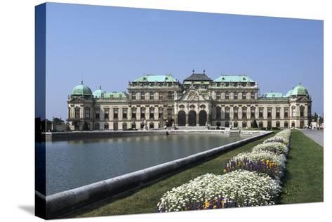 Belvedere Palace, Vienna, Austria-Peter Thompson-Stretched Canvas Print