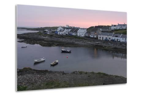 Portnahaven, Islay, Argyll and Bute, Scotland-Peter Thompson-Metal Print