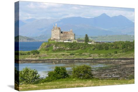 Duart Castle, Near Craignure, Mull, Argyll and Bute, Scotland-Peter Thompson-Stretched Canvas Print
