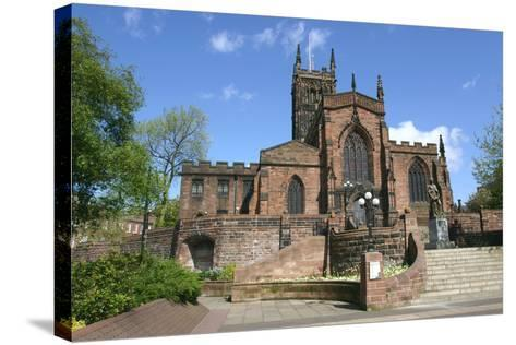 Lady Wulfrun Statue and St Peters Church, Wolverhampton, West Midlands-Peter Thompson-Stretched Canvas Print