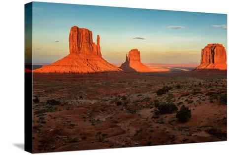 Monument Valley under the Blue Sky at Sunset-lucky-photographer-Stretched Canvas Print