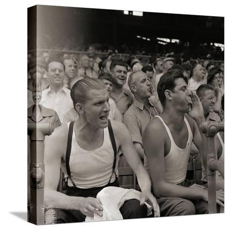 Men Booing Cincinnati Reds--Stretched Canvas Print