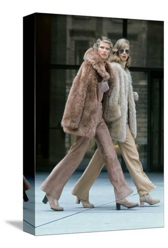 Two Models Walking in Front of the Seagrams Building in New York City-Kourken Pakchanian-Stretched Canvas Print