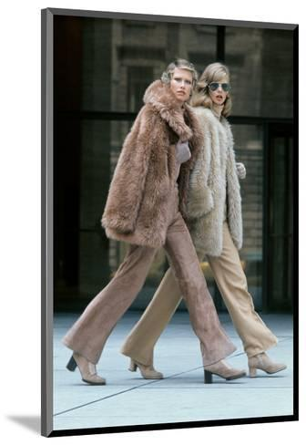 Two Models Walking in Front of the Seagrams Building in New York City-Kourken Pakchanian-Mounted Premium Giclee Print