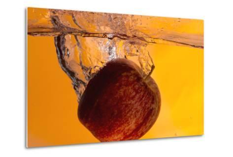Apple Underwater-Gordon Semmens-Metal Print