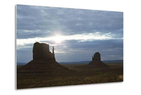 Monument Valley 04-Gordon Semmens-Metal Print