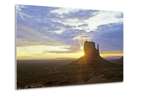 Monument Valley 03-Gordon Semmens-Metal Print