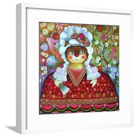 Queen-Oxana Zaika-Framed Art Print