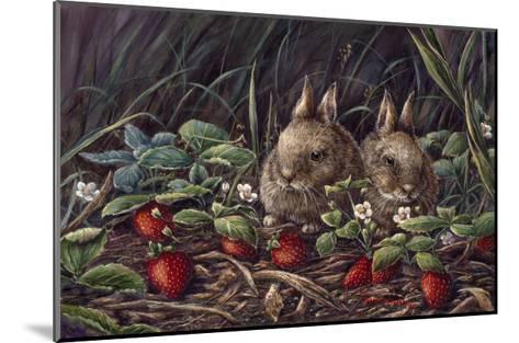 Strawberry Bunnies-Wanda Mumm-Mounted Giclee Print