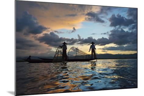 Intha Fisherman Rowing at Sunset on Inle Lake, Shan State, Myanmar-Keren Su-Mounted Photographic Print
