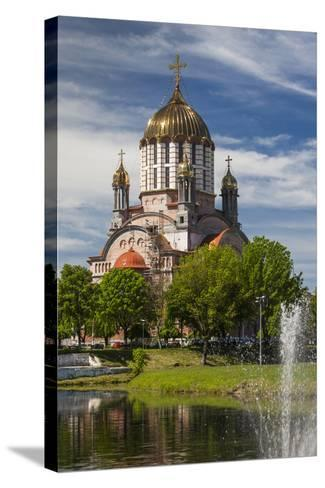 Romania, Transylvania, Fagaras, Sfantul Ioan Botezatorul Cathedral-Walter Bibikow-Stretched Canvas Print