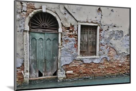 Green Doorway, Venice, Italy-Darrell Gulin-Mounted Photographic Print