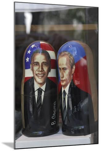 Obama and Putin Nesting Dolls in a Window in a Shop, Tallinn, Estonia-Dennis Brack-Mounted Photographic Print