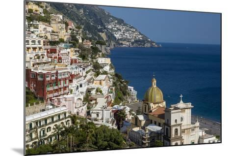 View Along the Amalfi Coast of the Town of Positano, Campania Italy-Brian Jannsen-Mounted Photographic Print