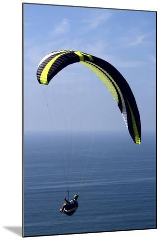 California, San Diego. Hang Glider Flying at Torrey Pines Gliderport-Steve Ross-Mounted Photographic Print