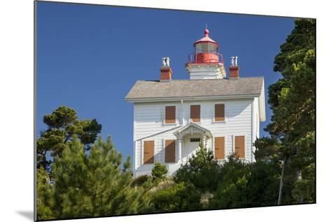 Yaquina Bay Lighthouse, Newport, Oregon, USA-Brian Jannsen-Mounted Photographic Print