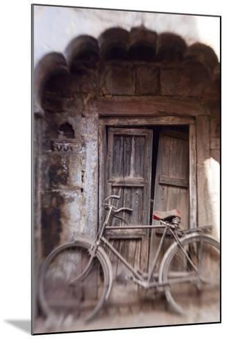 Bicycle in Doorway, Jodhpur, Rajasthan, India-Peter Adams-Mounted Photographic Print