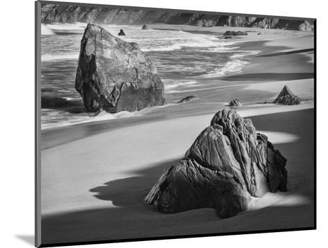 USA, California, Garrapata Beach-John Ford-Mounted Photographic Print