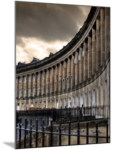The Royal Cresecent in Bath, England-Tim Kahane-Mounted Photographic Print