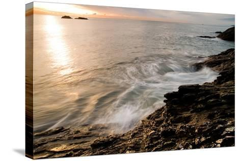 Ladies Cove-Craig Howarth-Stretched Canvas Print