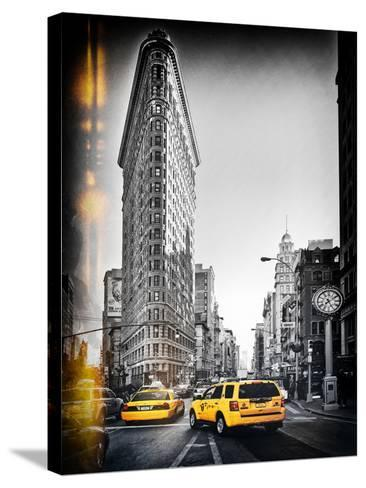 Vintage Black and White Series - Flatiron Building and Yellow Cabs - Manhattan, New York, USA-Philippe Hugonnard-Stretched Canvas Print