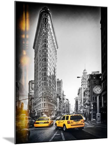 Vintage Black and White Series - Flatiron Building and Yellow Cabs - Manhattan, New York, USA-Philippe Hugonnard-Mounted Photographic Print