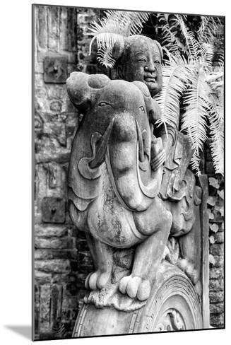 China 10MKm2 Collection - Chinese Statue-Philippe Hugonnard-Mounted Photographic Print