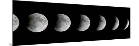 Lunar Eclipse-Dr. Fred Espenak-Mounted Photographic Print