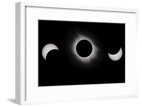 Total Solar Eclipse, 29-03-2006-Eckhard Slawik-Framed Art Print