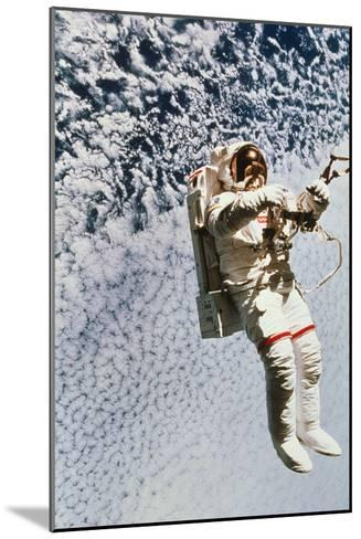 Evaluation of SAFER EVA Backpack, STS-64--Mounted Photographic Print
