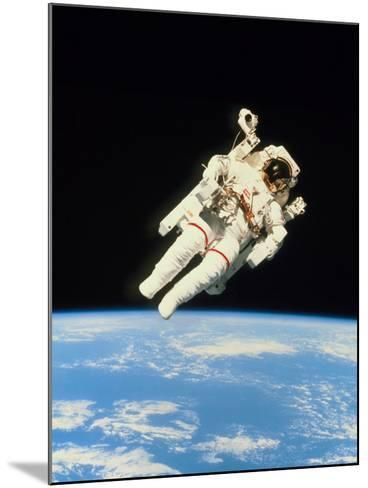 Astronaut Bruce McCandless Walking In Space--Mounted Photographic Print