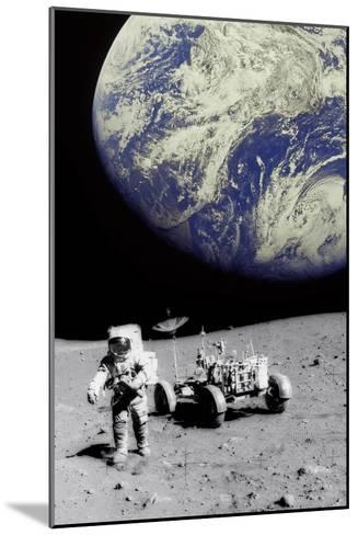 Astronaut on Moon with Earth-Science Photo Library-Mounted Photographic Print