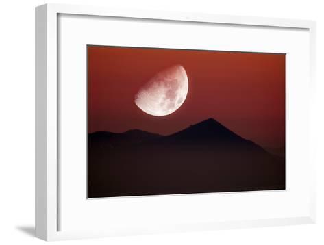 Setting Moon-Detlev Van Ravenswaay-Framed Art Print