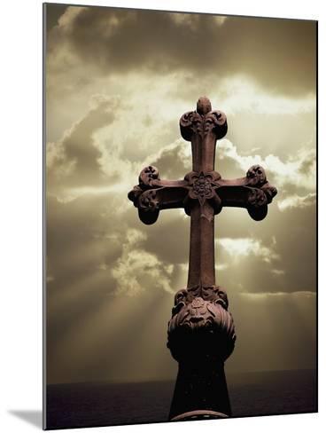 Sunbeams Backlighting Cross-Jim Zuckerman-Mounted Photographic Print