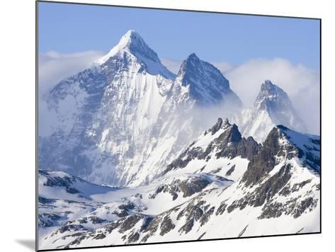 Snowy Mountains of Allardyce Range-John Eastcott & Yva Momatiuk-Mounted Photographic Print