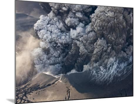 Eyjafjallajokull volcano erupting in Iceland-Paul Souders-Mounted Photographic Print