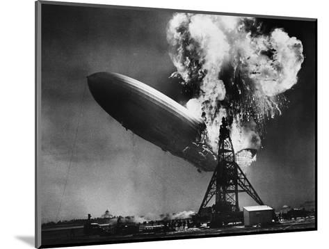 Hindenburg Explosion-Bettmann-Mounted Photographic Print