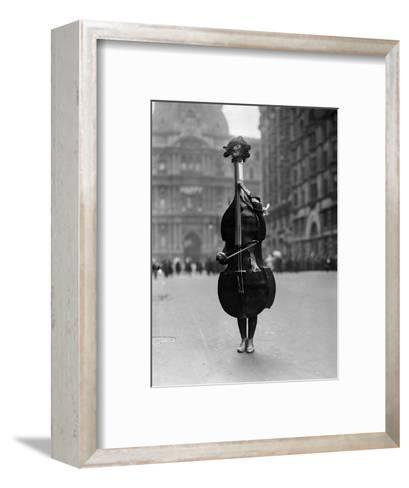Walking Violin in Philadelphia Mummers\' Parade, 1917 Photographic ...