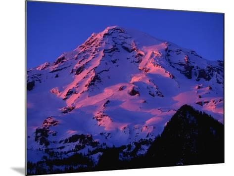 Sunset Alpenglow on Mount Rainier-Paul Souders-Mounted Photographic Print