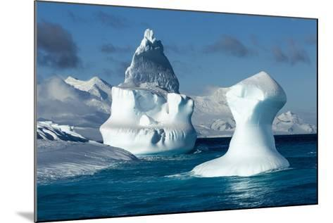 Iceberg, South Shetland Islands, Antarctica-Paul Souders-Mounted Photographic Print