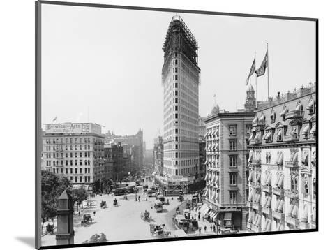 Flatiron Building under Construction--Mounted Photographic Print