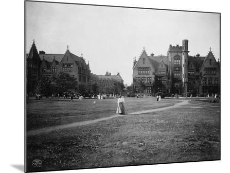 Students at University of Chicago Campus--Mounted Photographic Print