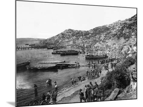 Troops Landing at Anzac Cove, Gallipoli--Mounted Photographic Print