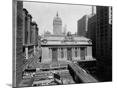 Grand Central Station in Manhattan--Mounted Photographic Print