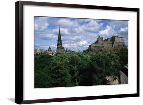 Edinburgh Castle-Vittoriano Rastelli-Framed Art Print
