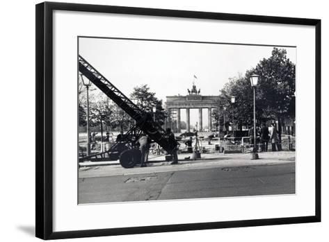 The Berlin Wall, under Construction in August 1961--Framed Art Print
