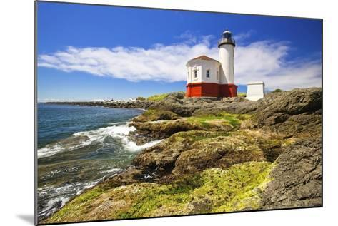 Afternoon Light on Coquille River Lighthouse, Bandon, Oregon Coast, Pacific Ocean-Craig Tuttle-Mounted Photographic Print