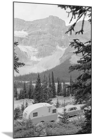 Crowfoot Glacier from Icefields Parkway-Philip Gendreau-Mounted Photographic Print